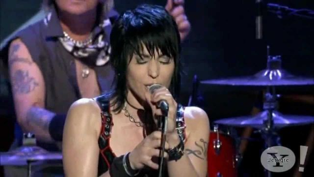 Joan Jett - Do You Wanna Touch Me _ Androgynous ( Live )