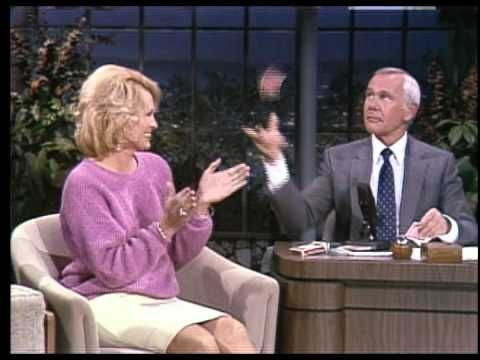 Johnny Carson Teaches Card Tricks to Angie Dickinson on the Tonight Show Starring Johnny Carson