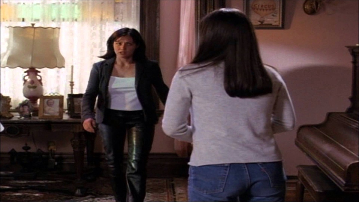 Jeff Eeee: WB's Charmed- Shannen Doherty in Leather Jeans and Boots