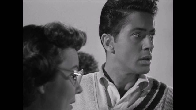 Strangers on a Train (1951) Farley Granger , Ruth Roman , Patricia Hit